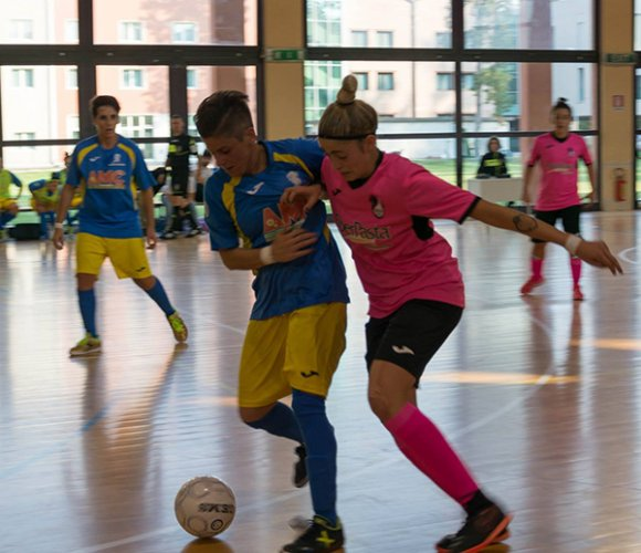 Ostica trasferta a Chiaravalle per il Sassoleone Calcio a 5 Femminile