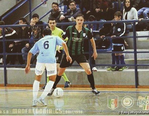 Al Buldog Lucrezia arriva Vicente Girardi Neto