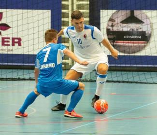Fiorentino in gol anche nell'ultima del girone di Champions, designazione greca per Nanni