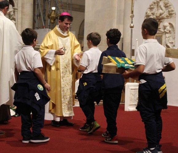L'arcivescovo Fabio Dal Cin il sindaco Paolo Niccoletti e le autorità cittadine danno il via al campionato del CS Loreto