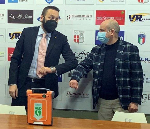 Nuovo defibrillatore per il Rimini FC,  offerto dal Lyons Club Ariminus Montefeltro
