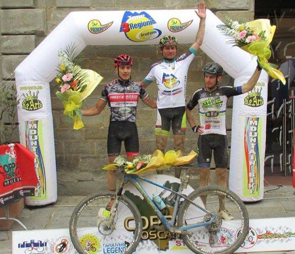 Bike Therapy Pergola dal podio non scende più: Rocchetti protagonista alla Rampichiana di Cortona