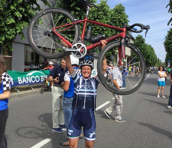 Il team Fausto Coppi Corse Fermignano (PU) conquista la terza maglia tricolore di stagione.
