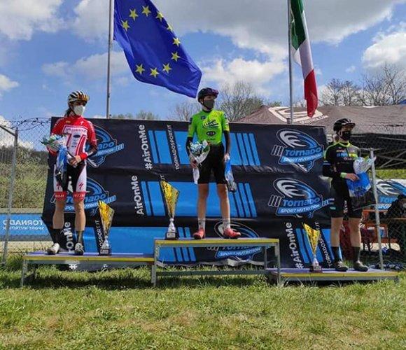 Bike Therapy Pergola vola, Sara Mazzorana vince in terra umbra