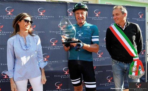Grande successo a gabicce mare per la pedalata con Francesco Moser