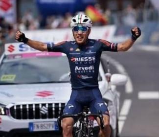 Il fermano Riccardo Ciucarelli vince l'ottava tappa del giro d'italia under23
