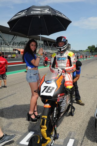 Il Lucky Racing Team nel weekend del 21/22 luglio a Franciacorta per il quarto round del trofeo Motoestate con i piloti Andrea Raimondi e Phaedra Theffo