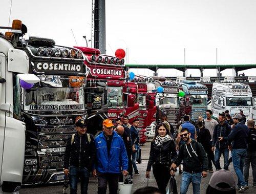 Le nuvole non spengono l'entusiamo al Petronas Urania Grand Prix Truck 2019