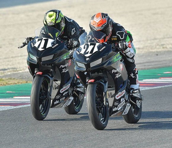 CIV Misano A.: Filippo Rovelli e Tom Edwards dominano Gara 1 con ParkinGO Team Kawasaki
