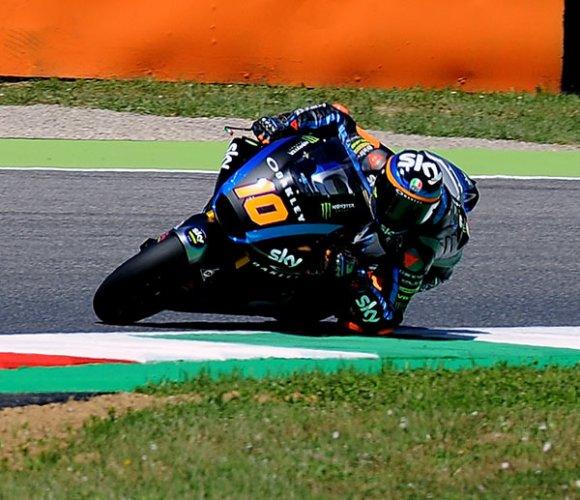 Moto2 GP Francia: brutto incidente per Luca Marini, gran volo per il fratello di Valentino Rossi