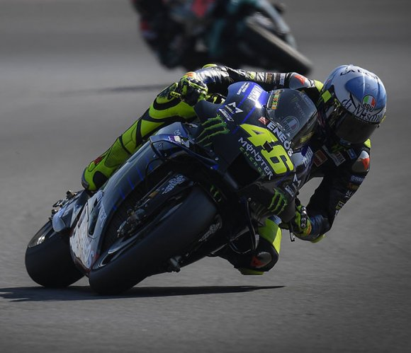 """L'addio di Valentino Rossi: """"a fine stagione lascio la Moto Gp"""""""