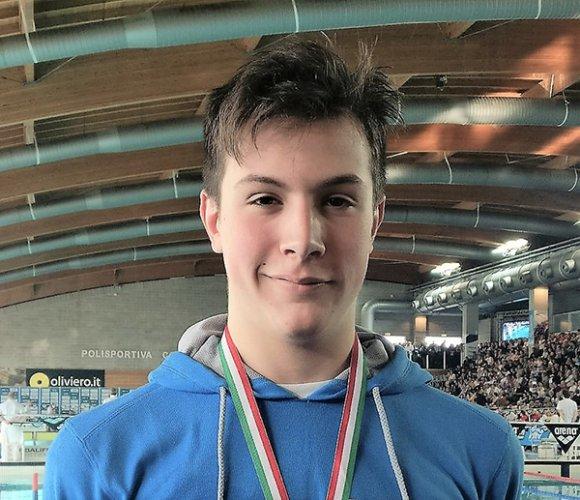 Michele Busa sbanca i Campionati regionali Fin con cinque medaglie d'oro.