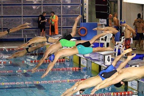 Centro Sub Nuoto Faenza: i nuotatori Master tornano con 11 medaglie da Reggio Emilia.