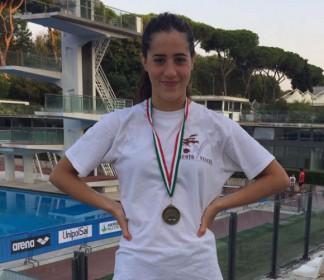 Arianna Valloni di bronzo nei 1500 stile ai Campionati Italiani di categoria