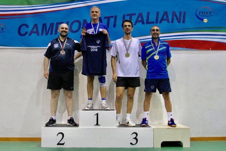 Filippo Giuliani regala il tricolore al Reggio Emilia Ferval