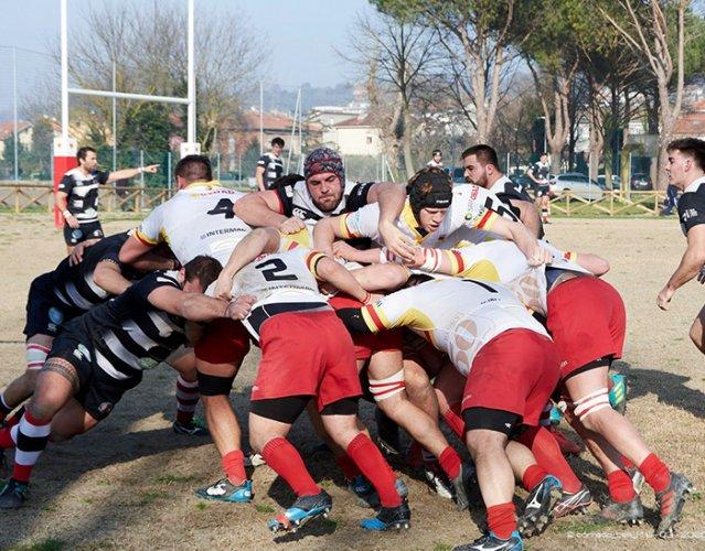 La Fir annulla i campionati di rugby, ma Pesaro continua la sua attività