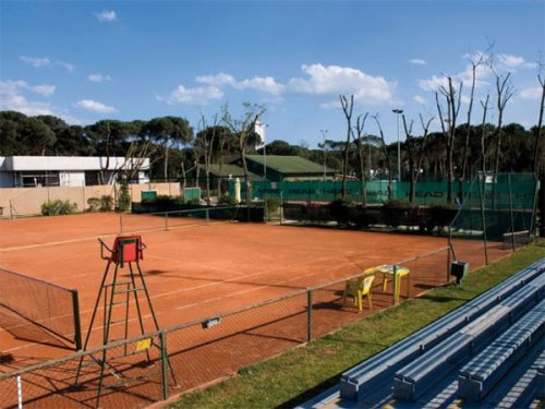"""Tempo di semifinali maschili nel memorial """"Mario Cortesi"""" di 3° al Circolo  Tennis Cervia"""