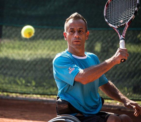 Tennis Club Faenza, domani sera un'esibizione di tennis in carrozzina con il campione internazionale Fabian Mazzei