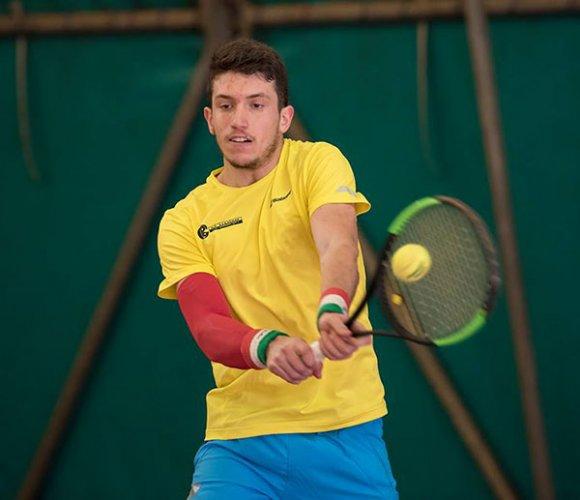 Federico Bertuccioli battendo Walter Trusendi raggiunge i quarti di finale all'Open BNL di Ortisei