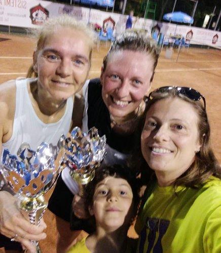 Daniela Legni batte Cristina Berardi e si aggiudica il torneo di 4° femminile del Circolo Venustas di Igea Marina,