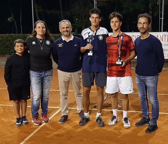 Simone De Luigi vince il torneo nazionale di 3° del Circolo Tennis Venustas di Igea Marina