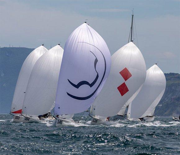 J/70 European Championship - A Malcesine si inizia in slow motion: Calvi Network è settimo