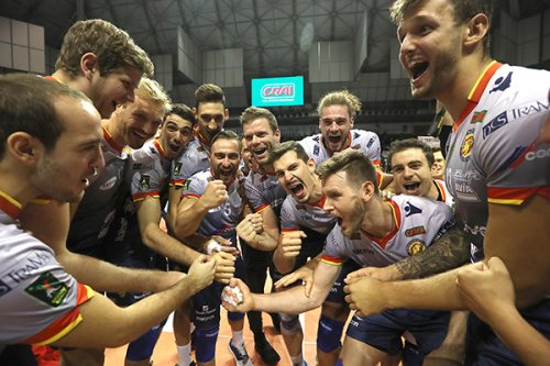 Ravenna-Milano 3-0 (25-16, 25-14, 25-15)