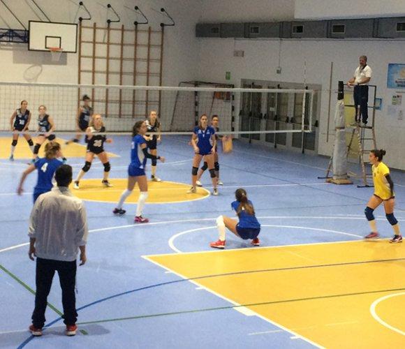 Top Motor Santarcangelo - Riccione Volley 3-2 (25-23/25-21/23-25/19-25/15-12)