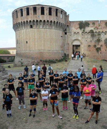 Diffusione Sport - Alla Rocca festa per la ripartenza con le squadre dei corsi di avviamento.