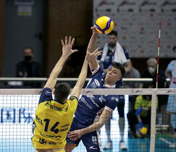 Ravenna-Modena 0-3 (22-25, 22-25, 25-27)