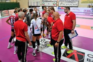 L'Olimpia Teodora cede 3-0 nell'esordio a Macerata, decisivi i primi due set persi al fotofinish